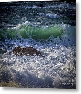 Swells In Doninos Beach Galicia Spain Metal Print by Pablo Avanzini