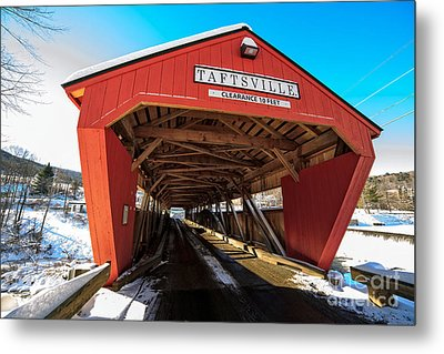 Taftsville Covered Bridge In Vermont In Winter Metal Print by Edward Fielding