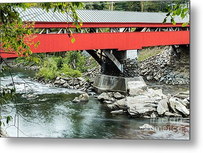 Taftsville Covered Bridge Vermont Metal Print by Edward Fielding