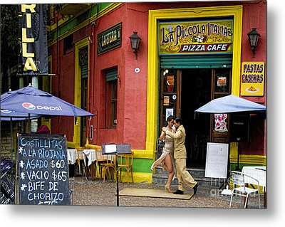 Tango Dancing In La Boca Metal Print by David Smith