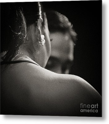 Metal Print featuring the photograph Tango - The Glance by Michel Verhoef