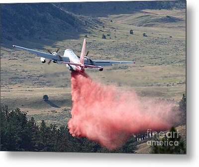 Tanker 45 Dropping On Whoopup Fire Metal Print by Bill Gabbert