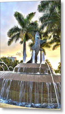 Tarpon Fountain In Cape Coral Florida Metal Print by Timothy Lowry