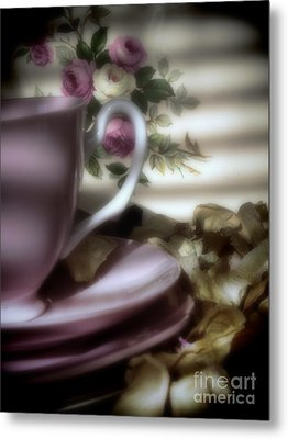Tea Cups And Roses Metal Print