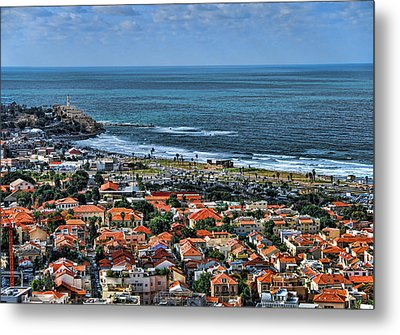 Metal Print featuring the photograph Tel Aviv Spring Time by Ron Shoshani