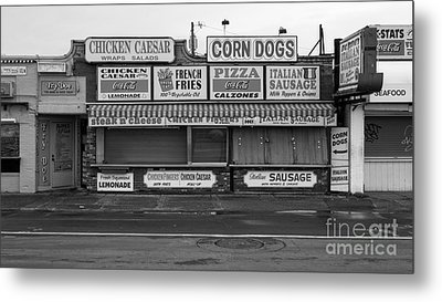 Temptations At Hampton Beach Metal Print by Edward Fielding