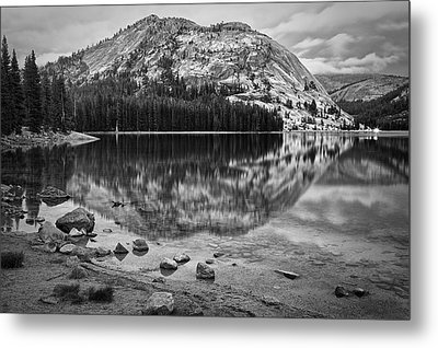 Tenaya Lake In Yosemite In Bw Metal Print