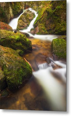 Metal Print featuring the photograph Tendon's Waterfall by Maciej Markiewicz