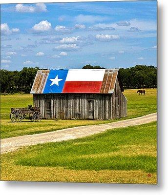 Texas Barn Flag Metal Print by Gary Grayson