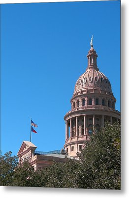 Texas State Capitol With Pediment Metal Print by Connie Fox