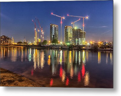 Thames View At Twilight Metal Print by Ian Hufton
