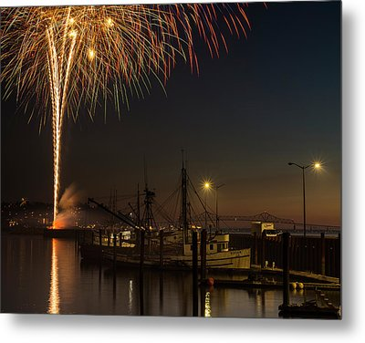 The Annual July Fourth Fireworks Metal Print by Robert L. Potts