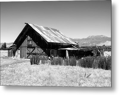 The Barn Metal Print by Glenn McCarthy Art and Photography