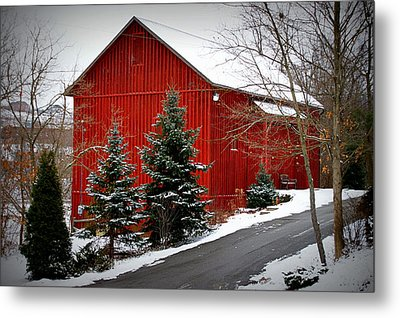 The Barn In Wintertime Metal Print by Jeanne Geidel-Neal