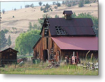 Metal Print featuring the photograph The Barn by Ron Roberts