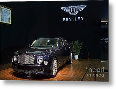 Metal Print featuring the photograph The Bentley Mulsanne Mulliner by Mohamed Elkhamisy