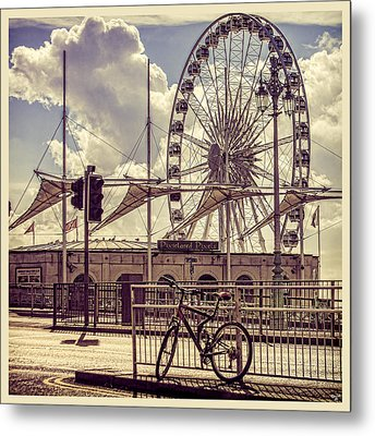 Metal Print featuring the photograph The Brighton Wheel by Chris Lord