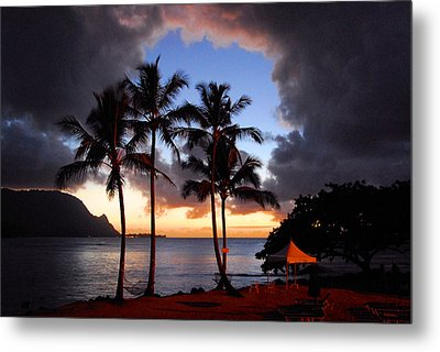 Metal Print featuring the photograph The Center Of The Storm by Lynn Bauer