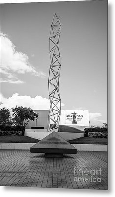 The Challenger Memorial - Bayfront Park - Miami - Black And White Metal Print by Ian Monk