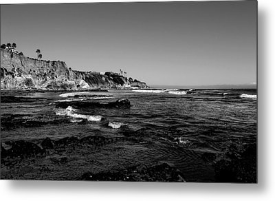 The Cliffs Of Pismo Beach Bw Metal Print by Judy Vincent
