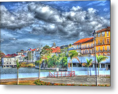 The Colors Of Casco Viejo Metal Print by Bob Hislop