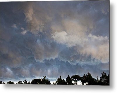 The Coming Storm Metal Print by Phil Mancuso