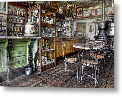 The Counter Metal Print by Ken Smith