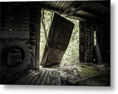 The Crowd Gathers Outside - Abandoned Apple Barn Metal Print by Gary Heller