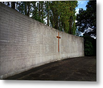 The Curved Wall Bearing The 1916 Metal Print by Panoramic Images