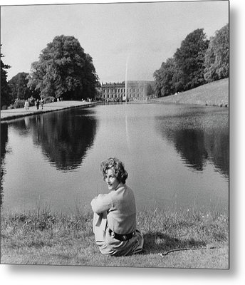 The Duchess Of Devonshire At Devonshire Palace Metal Print