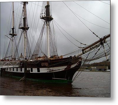 Metal Print featuring the photograph The Dunbrody by Alan Lakin