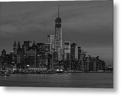 The Freedom Tower Dominates The Skyline Bw Metal Print by Susan Candelario