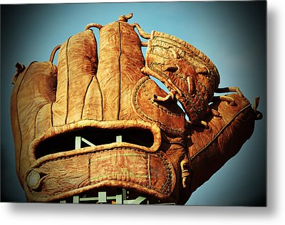 The Giants Glove Metal Print by Holly Blunkall