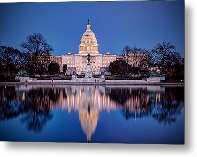 The Glow Of The Capitol Metal Print