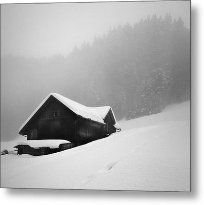 Metal Print featuring the photograph The House In The Mountain by Antonio Jorge Nunes