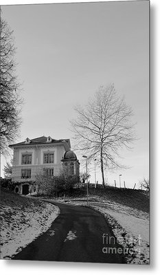Metal Print featuring the photograph The House On The Hill 2 by Felicia Tica