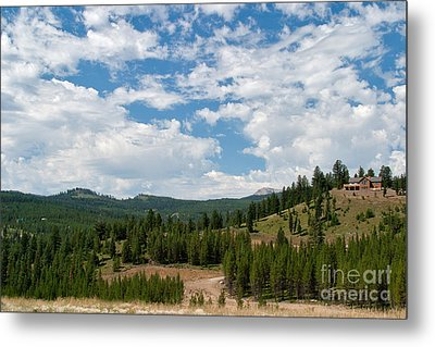 Metal Print featuring the photograph The House On The Hill by Charles Kozierok