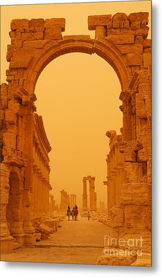 The Monumental Arch At Palmyra Syria In The Light After A Sandstorm Metal Print by Robert Preston