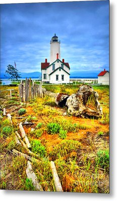 The New Dungeness Lighthouse Metal Print by Tara Turner