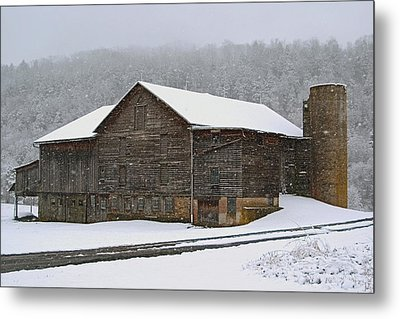 Metal Print featuring the photograph The Old Barn     Faded But Sturdy by Gene Walls