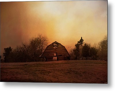 The Old Barn On A Fall Evening Metal Print by Jai Johnson