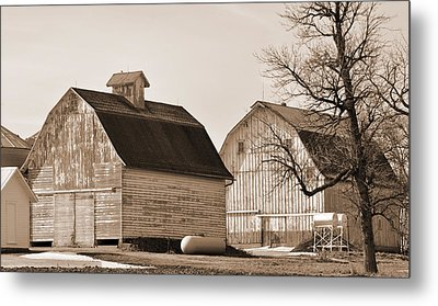 Metal Print featuring the photograph The Old Farm by Kirt Tisdale