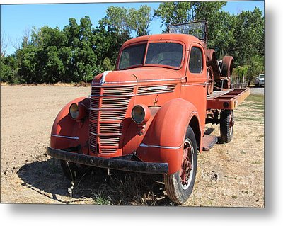 The Old Farm Truck 5d23971 Metal Print by Wingsdomain Art and Photography