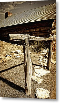 The Old Hitching Post Metal Print by Lincoln Rogers