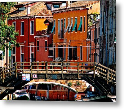 The Painters Eye In Venice Metal Print by Ira Shander
