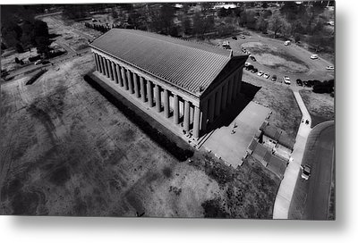 The Parthenon In Black And White Metal Print by Dan Sproul