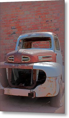 The Pick Up Metal Print by Lynn Sprowl