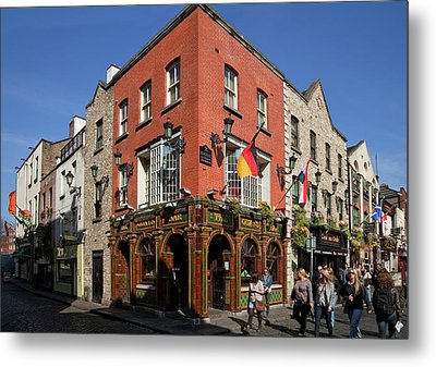 The Quys, Tiled Victorian Pub, Temple Metal Print