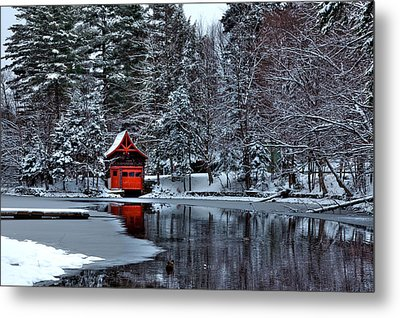 The Red Boathouse - Old Forge Ny Metal Print by David Patterson