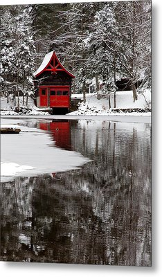 The Red Boathouse On Beaver Brook Metal Print by David Patterson